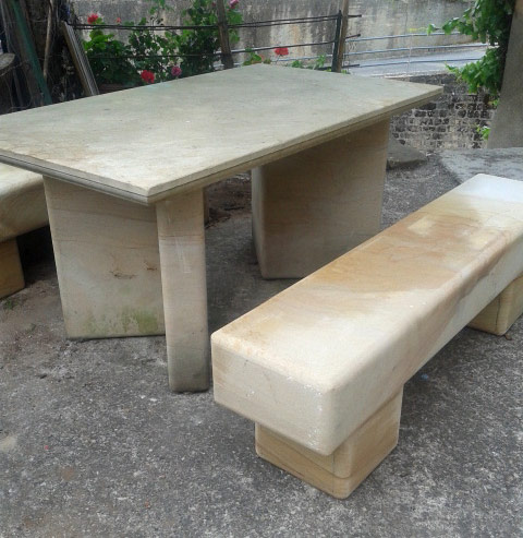 Bancos y mesas piedra arenisca areniscas de la demanda for Bancos de piedra para jardin